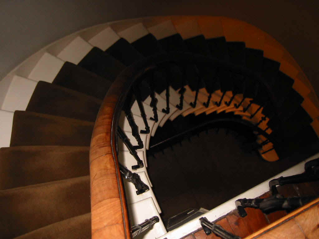 The staircase in Dr Lynschinski's townhouse in Edinburgh, where Chopin stayed on and off in late September 1848 and where Jenny Lind no doubt visited him.