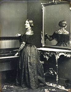 Jenny Lind in 1848: daguerreotype by William Edward Killburn, London. The Royal Collection © 2009 Her Majesty Queen Elizabeth II.