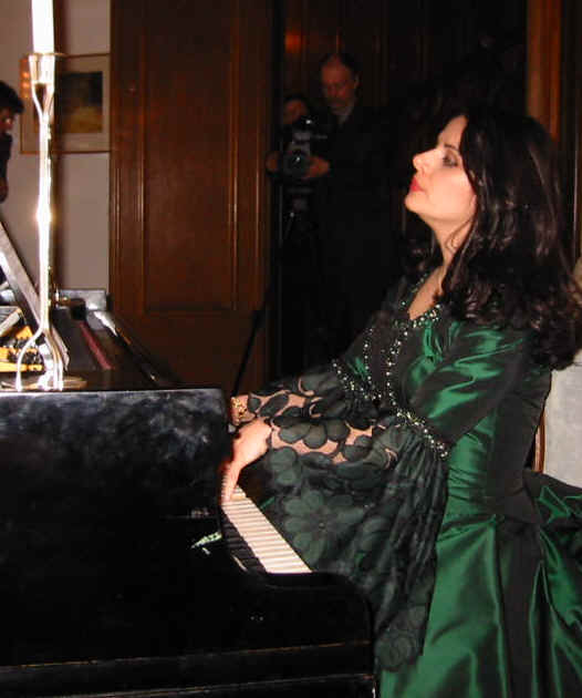 Warsaw, 6 April 2004.  Act 5, Death:  Ljiljana Jovanovic at the piano singing and playing for Chopin as Jenny Lind did shortly before 17 October 1849.